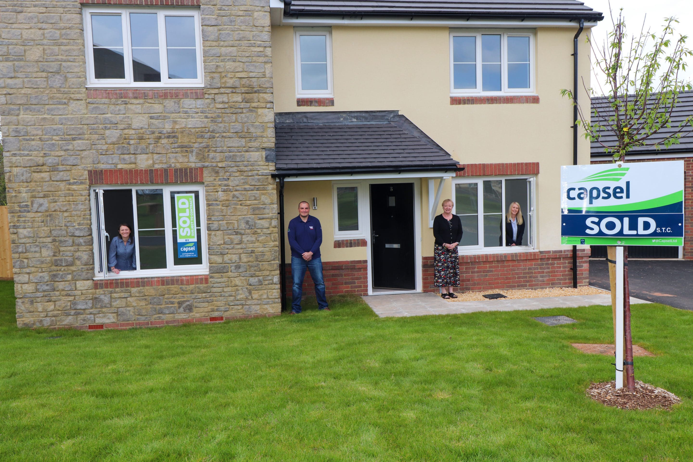 View Capsel Homes gives money back to the community with every sale article